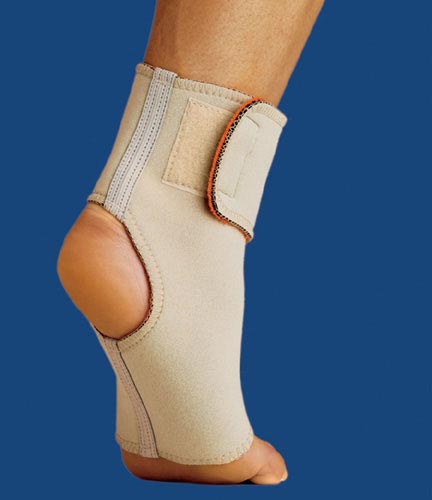 Thermoskin Ankle Wrap Small Beige